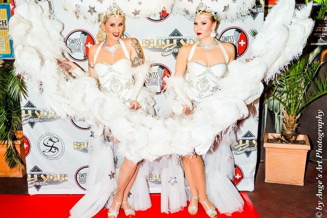 Blonde Bombshell Burlesque Show buchen. Burlesque Tänzerinnen buchen in Deutschland, Österreich, Schweiz,weltweit