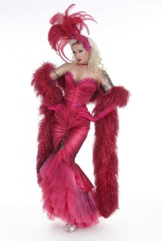 Blonde Bombshell Burlesque Tänzerin Burlesque Show buchen Burlesque Shows in ganz Bayern, Deutschland, Österreich, Schweiz mit Rose Rainbow