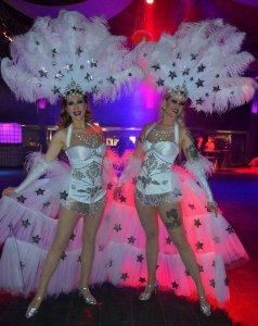 Blonde Bombshell Burlesque München. Dixie Dynamite und Rose Rainbow auf einem Red Carpet Firmenevent