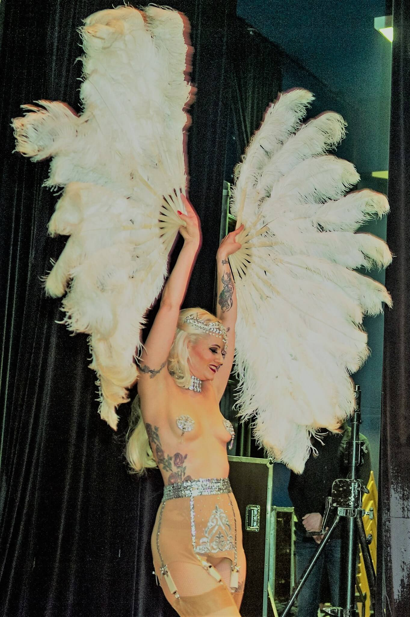 Rose Rainbow Classic Burlesque